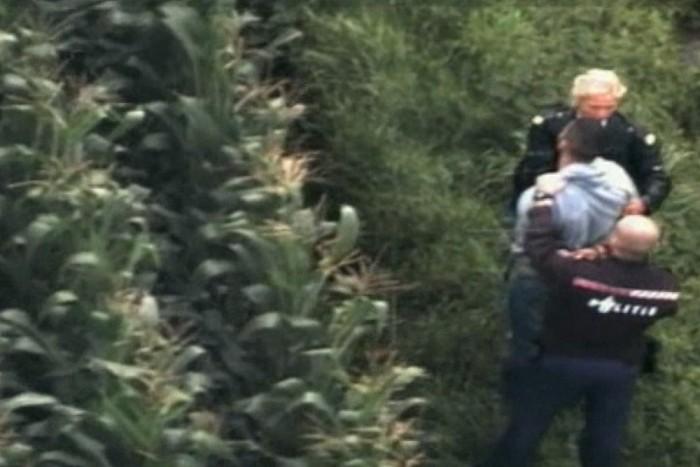 Politieheli ingezet bij aanhouding in maïsveld bij Dalfsen - Foto: Unit Luchtvaartpolitie