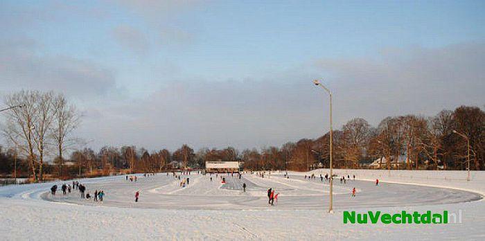 IJsbaan Stokvisdennen Dalfsen zondag geopend! - Foto: Johan Bokma