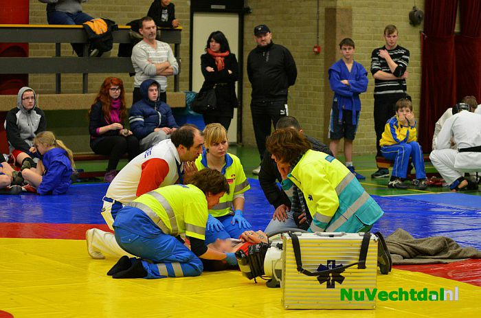 Jongen loopt letsel op tijdens Sambo toernooi Dalfsen - Foto: Johan Bokma