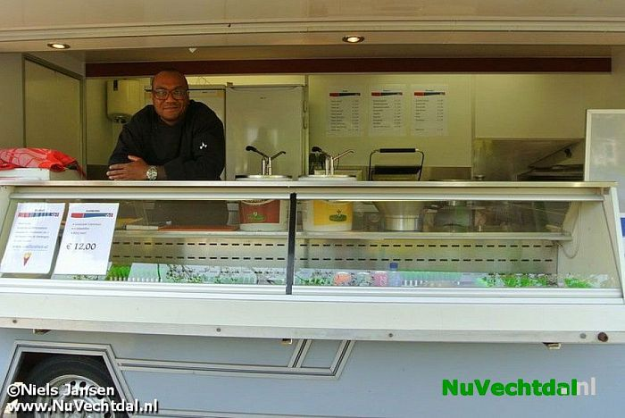 Nieuwe mobiele snackbar in Dalfsen, Smilly's Friet! - Foto: Niels Jansen