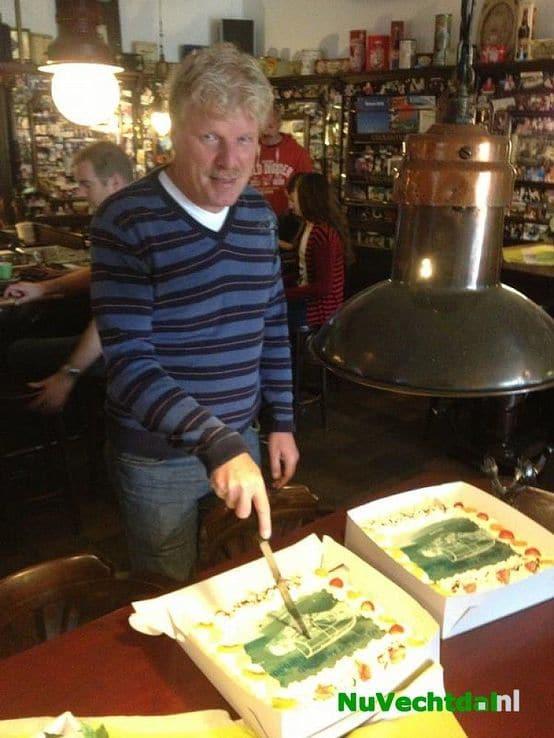 Henry van Ommen 40 jaar lid Aero Club Salland
