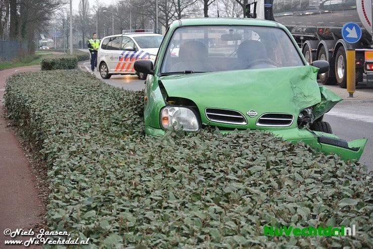 [Video] Veel schade bij ongeval Rondweg Dalfsen - Foto: Niels Jansen