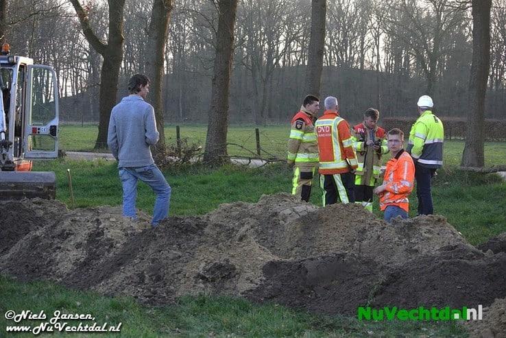 [VIDEO] Gaslek Heinoseweg Dalfsen lastige klus - Foto: Niels Jansen