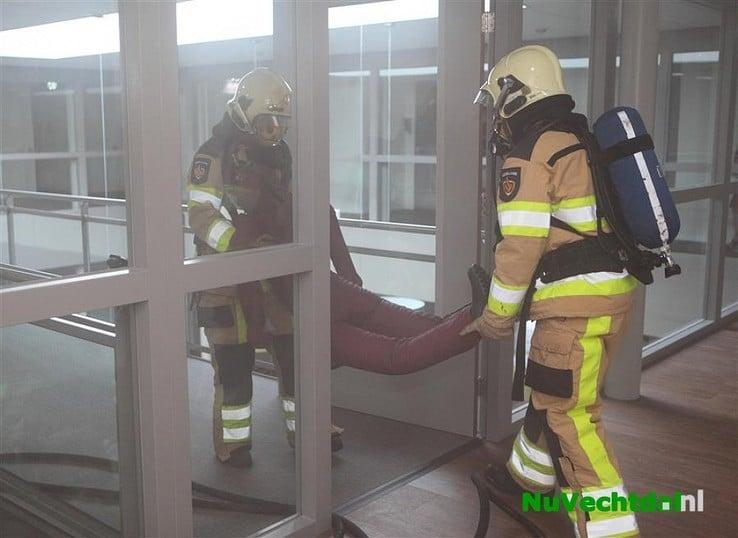 Brandweer Lemelerveld en Luttenberg oefenen in Lemele - Foto: Martin Zwakenberg