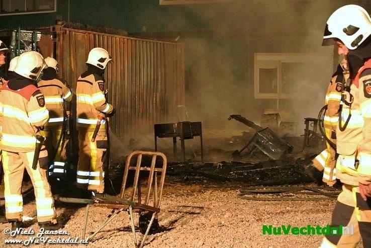 Video: Felle brand op bouwplaats Vitens Dalfsen - Foto: Niels Jansen