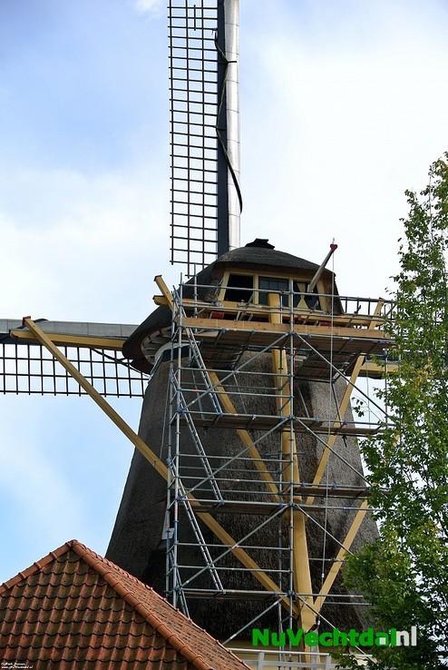 [Foto's] Westermolen Molenstraat Dalfsen in de steigers - Foto: Niels Jansen
