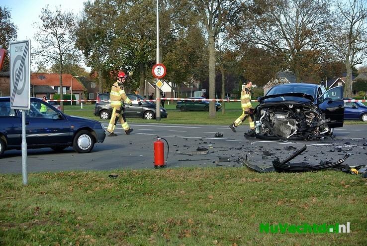 Video: Drie gewonden bij crash Hessenweg Oudleusen - Foto: Niels Jansen