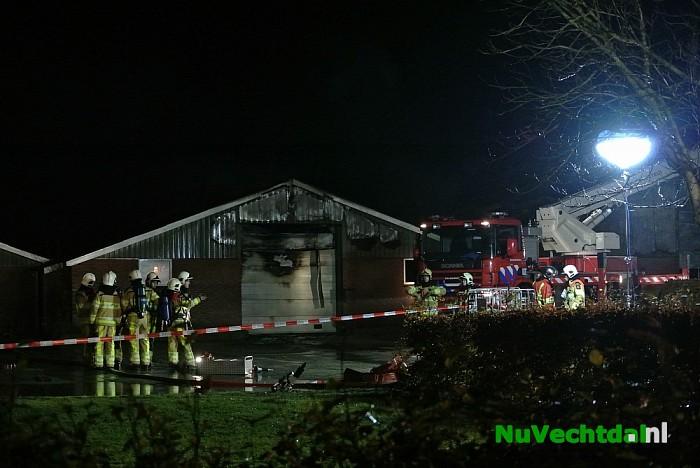 Beelden zeer grote brand Hessenweg Dalfsen - Foto: Niels Jansen