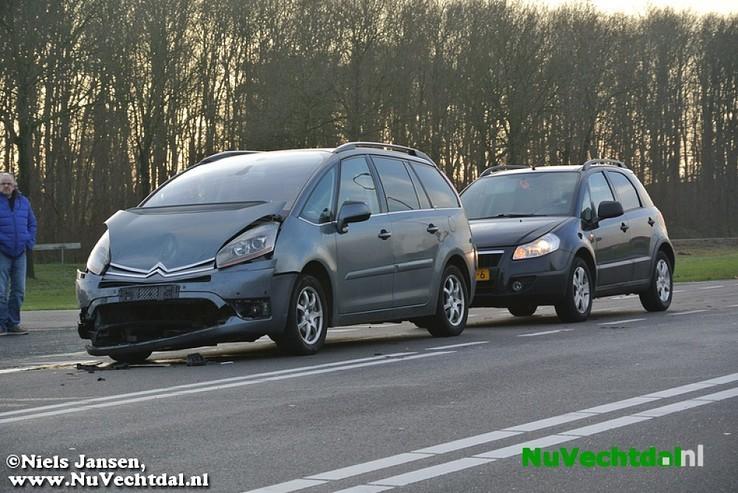 Video: Kettingbotsing Hessenweg N340 Dalfsen - Foto: Niels Jansen
