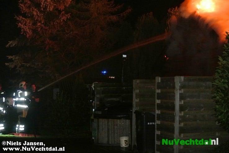 Grote brand achter restaurant Hessenweg Dalfsen - Foto: Niels Jansen