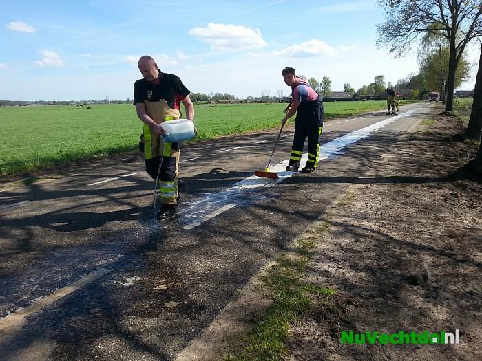 Oliespoor op de Vilstersedijk even buiten Lemelerveld - Foto: Niels Jansen