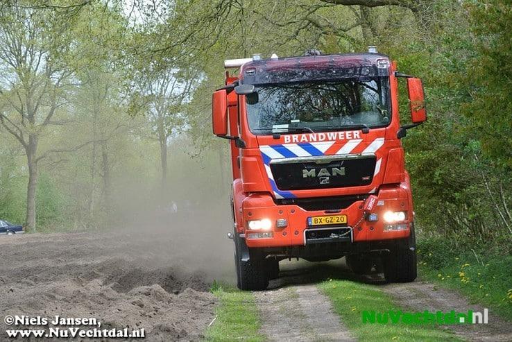 Woning brandt af in Hessum bij Dalfsen - Foto: Niels Jansen