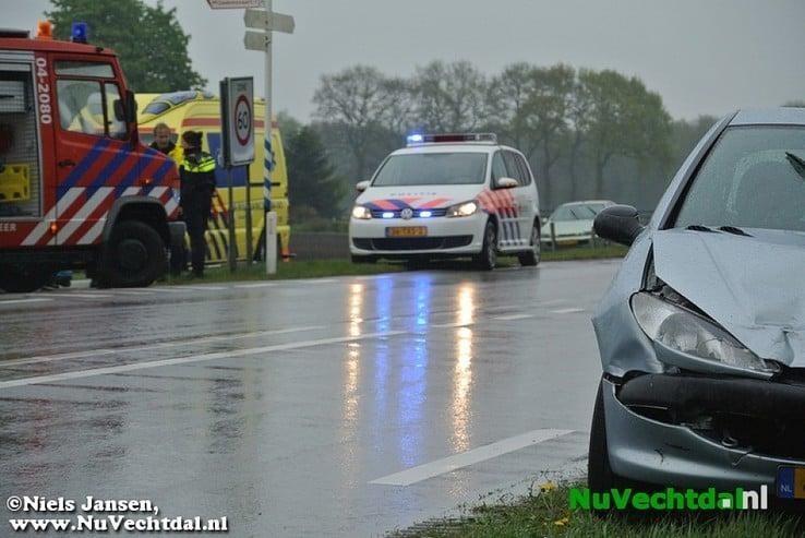 Gewonden bij Ongeval Hessenweg Dalfsen - Foto: Niels Jansen