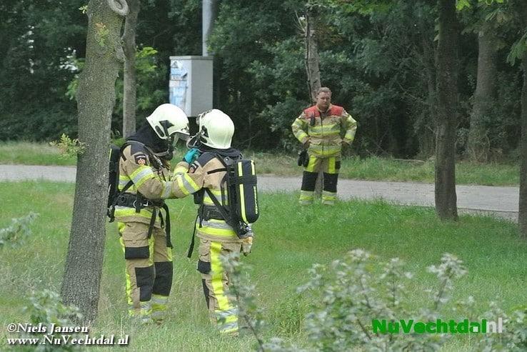 Vat met bijtende stof aangetroffen fietstunnel Wijthmen - Foto: Niels Jansen