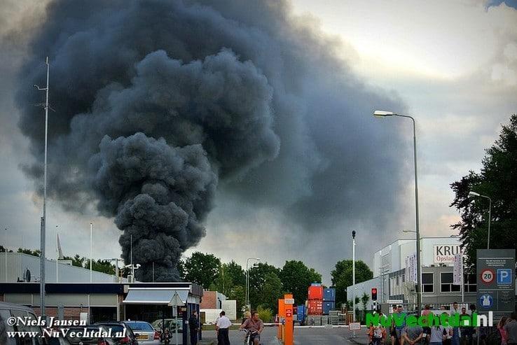 Rook brand Wapenveld te zien in Dalfsen - Foto: Niels Jansen