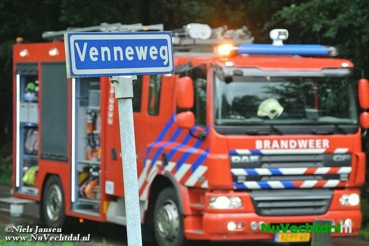 1500 liter olie op kruispunt Schaapskooiweg Dalfsen - Foto: Niels Jansen