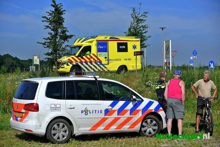 Camper brandt uit op camperplaats bij station Dalfsen - Foto: Niels Jansen
