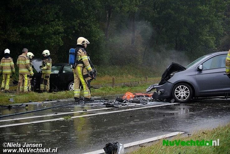 Ongeval met drie auto's Hessenweg N340 Dalfsen - Foto: Niels Jansen