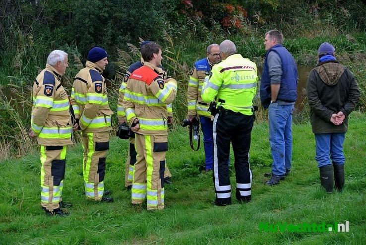 Brandweer zoekt naar mogelijke drenkeling Ommerkanaal - Foto: Niels Jansen