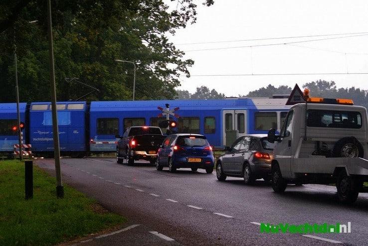 Trein maakt noodstop vlak voor station Dalfsen - Foto: Niels Jansen