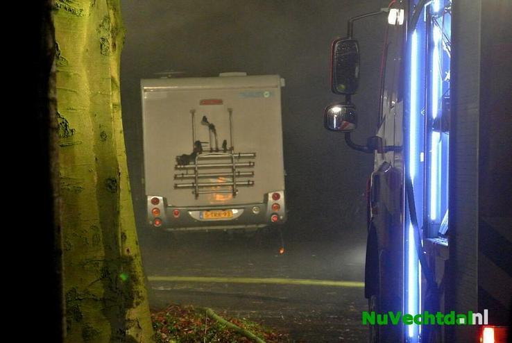 Asbest bij brand Brandweg Lemelerveld - Foto: Niels Jansen