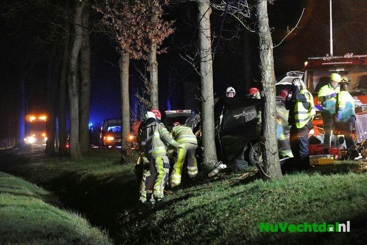 Twee ernstig gewonden bij ongeval Poppenallee Dalfsen - Foto: Niels Jansen