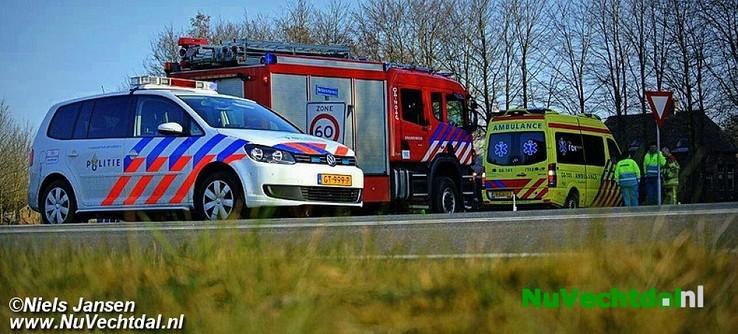 Ongeval met flinke schade Hessenweg Dalfsen - Foto: Niels Jansen