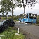 Brandweer Nieuwleusen bij ongeval met lijnbus Rouveen
