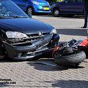 Motorrijder gewond na aanrijding met auto in Ommen