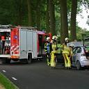 Auto in brand na aanvaring met strobaal in Dalfsen