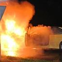 [Video] Auto in brand op de Dedemsweg bij Dalfsen