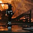 Schuur verwoest door uitslaande brand in Lemele